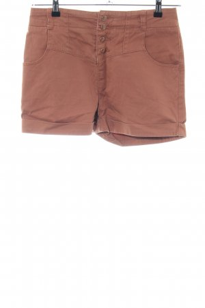 Review Shorts brown casual look