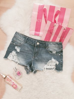 Review Shorts Blogger Destroyed Hot Pants Spitze Gr.XS