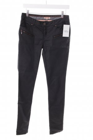 Review Skinny Jeans schwarz Street-Fashion-Look