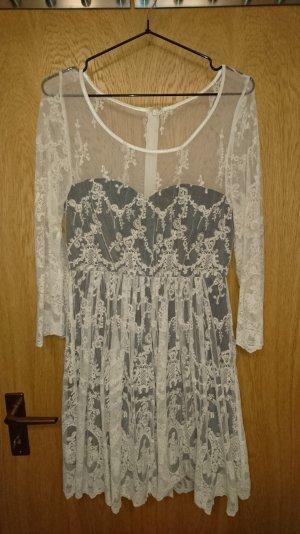 Review Spitzen-Kleid