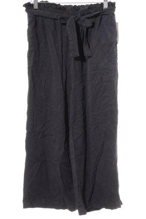 Review Stoffhose dunkelblau Street-Fashion-Look