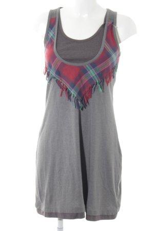 Review Stretchkleid grau-rot Street-Fashion-Look