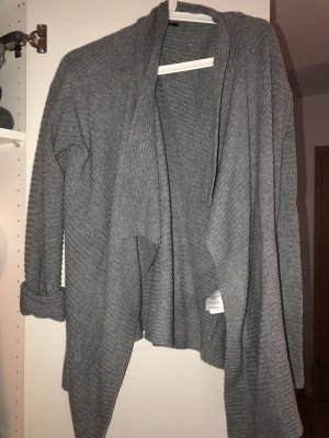 Review Strickjacke - Preis verhandelbar!