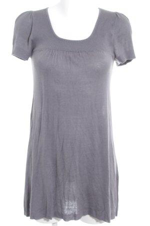 Review Camisa tejida gris look casual