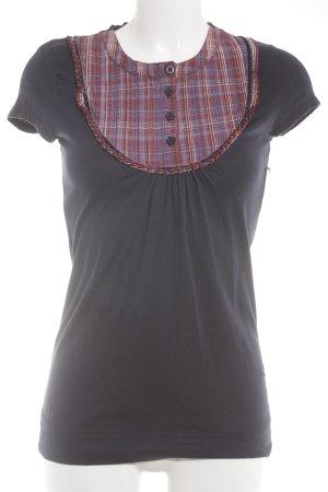 Review T-Shirt Karomuster Street-Fashion-Look