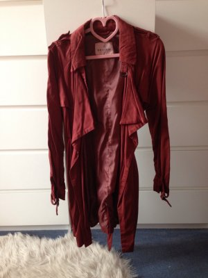 Review Trenchcoat Bordeaux NEU