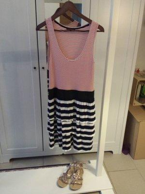 REVIEW   ungetragenes Kleid in Matrosen-Look