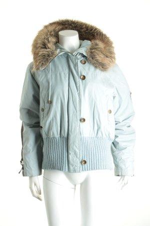 Review Winterjacke blassblau Street-Fashion-Look
