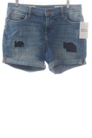 Rich & Royal Shorts hellblau-wollweiß Street-Fashion-Look