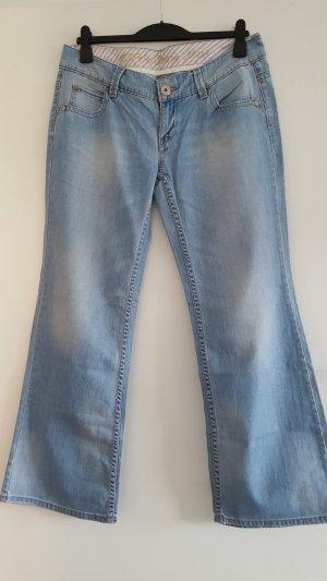 richtig tolle Esprit Jeans, helle Waschung, Gr. 32/32