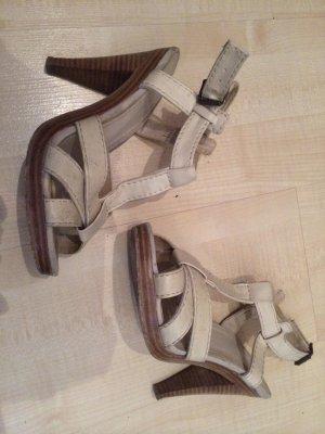 Riemchen-Heels in creme