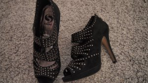 Riemchen High Heels black