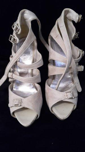 Riemchen High Heels in beige