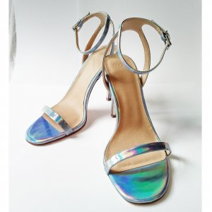 Riemchen Pumps in Hologramm Optik