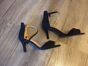 H&M Sandalo con cinturino nero