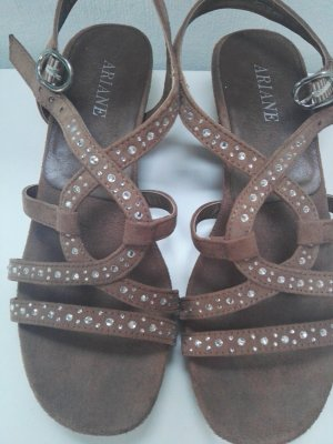 Riemchen Sandalen mit kleinem Absatz