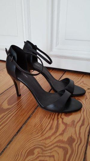 Riemchen-Sandaletten Cox schwarz 38