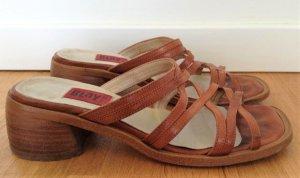 Riemchen Sandaletten in beige, GR. 36