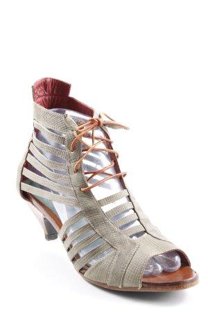 Sandalias de tacón de tiras caqui-marrón estampado de animales elegante