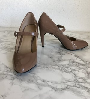 Graceland Strapped pumps nude