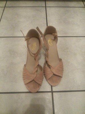Sandales à lanière rose chair