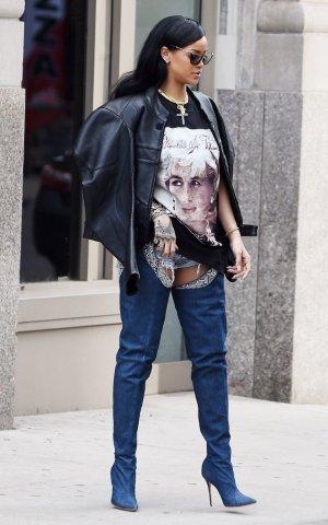 Rihanna Overknees