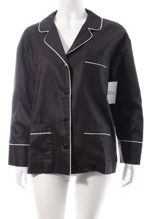 Rika Blazer weiß-schwarz minimalistischer Stil