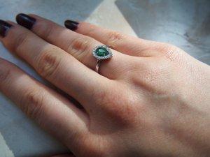 Ring aus 750 KT Weißgold vom Prats Joiers aus Barcelona