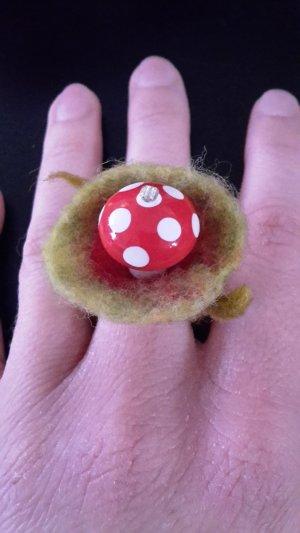 Ring aus Filz
