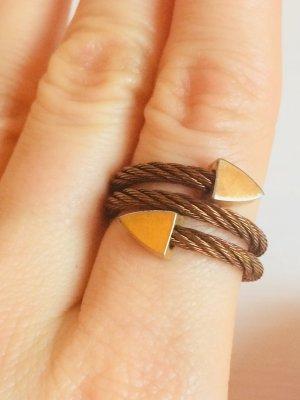 Ring aus Kupferdraht mit Pfeilspitzen