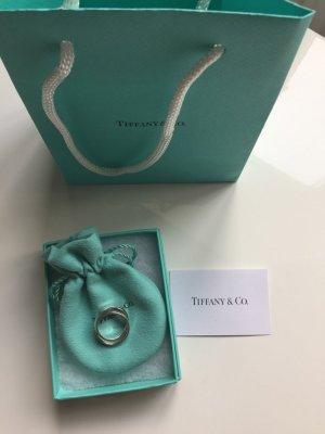 Ring aus zwei verschlungenen Ringen von Tiffany & Co