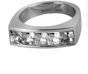 Ring besetzt mit funkelnden Swarovski Kristallen