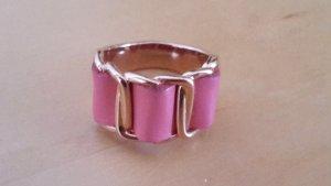 Ring Bronze roségolden mit pinkem Leder