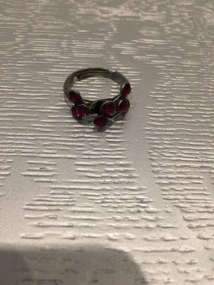 Ring Konplott mit roten Steinen