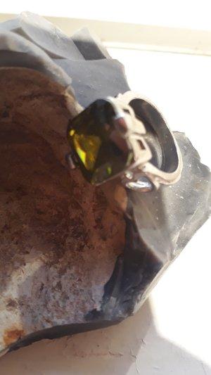 Anello di fidanzamento argento-verde oliva