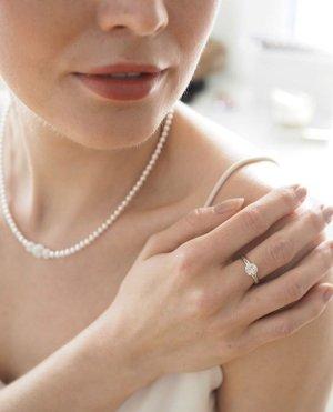 Ring mit Swarovski Stein, Verlobungsring