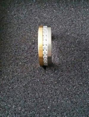 Ring mit Swarowski Steinen