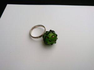 Ring Modeschmuck grünes Glas 18 mm Durchmesser verstellbar