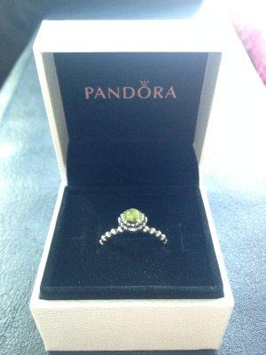 Ring Pandora mit hellgrünem Stein