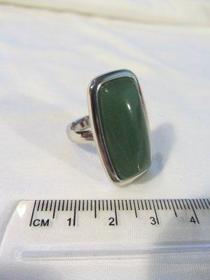 Ring – silber mit großem grünen Stein (Modeschmuck)