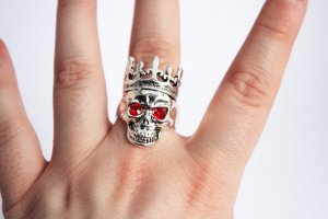 Ring Silber Rot Skull Totenkopf Gothic Goth Grunge