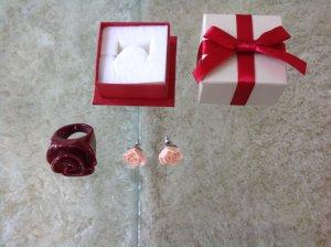 Ring und Ohrringe, Rosen