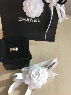 Ring von Chanel