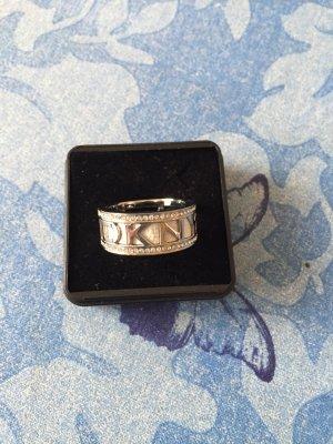 Ring von D K N Y