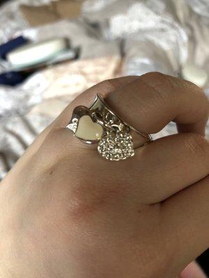 Ring von Guess