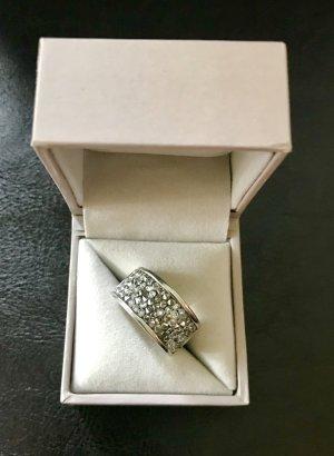Ring von S.Oliver mit Swarovski-Steinen 17cm