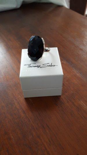 Ring von Thomas Sabo mit schwarzem Stein