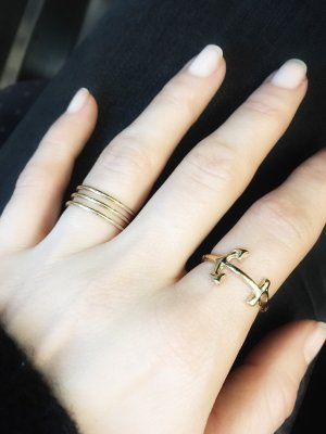 Ring gold-colored