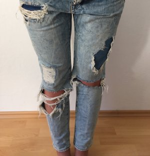 Ripped Girlfriend Jeans