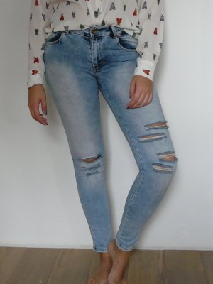 Ripped Skinny Jeans von Pull&Bear